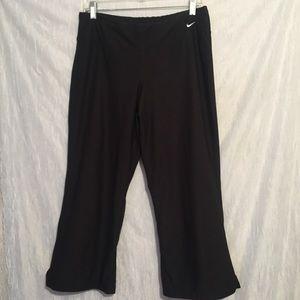Black nike Capri fit dry workout large